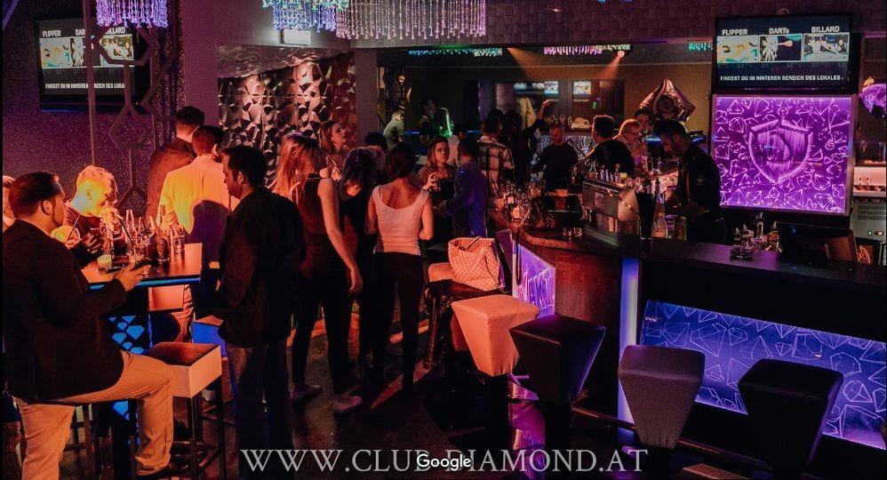 Club-Diamond-Austria-Design-Interior-Designer-Florin-Ignat-canapele-Candelabre-lampadare-Signa-Design-Solutions-club-design-mobilier-bar-baruri-led-1